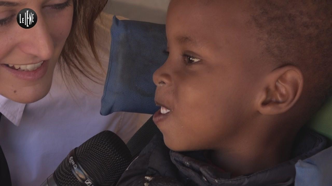 CASTELLANO: Disabili in Kenya, in viaggio con Viktor