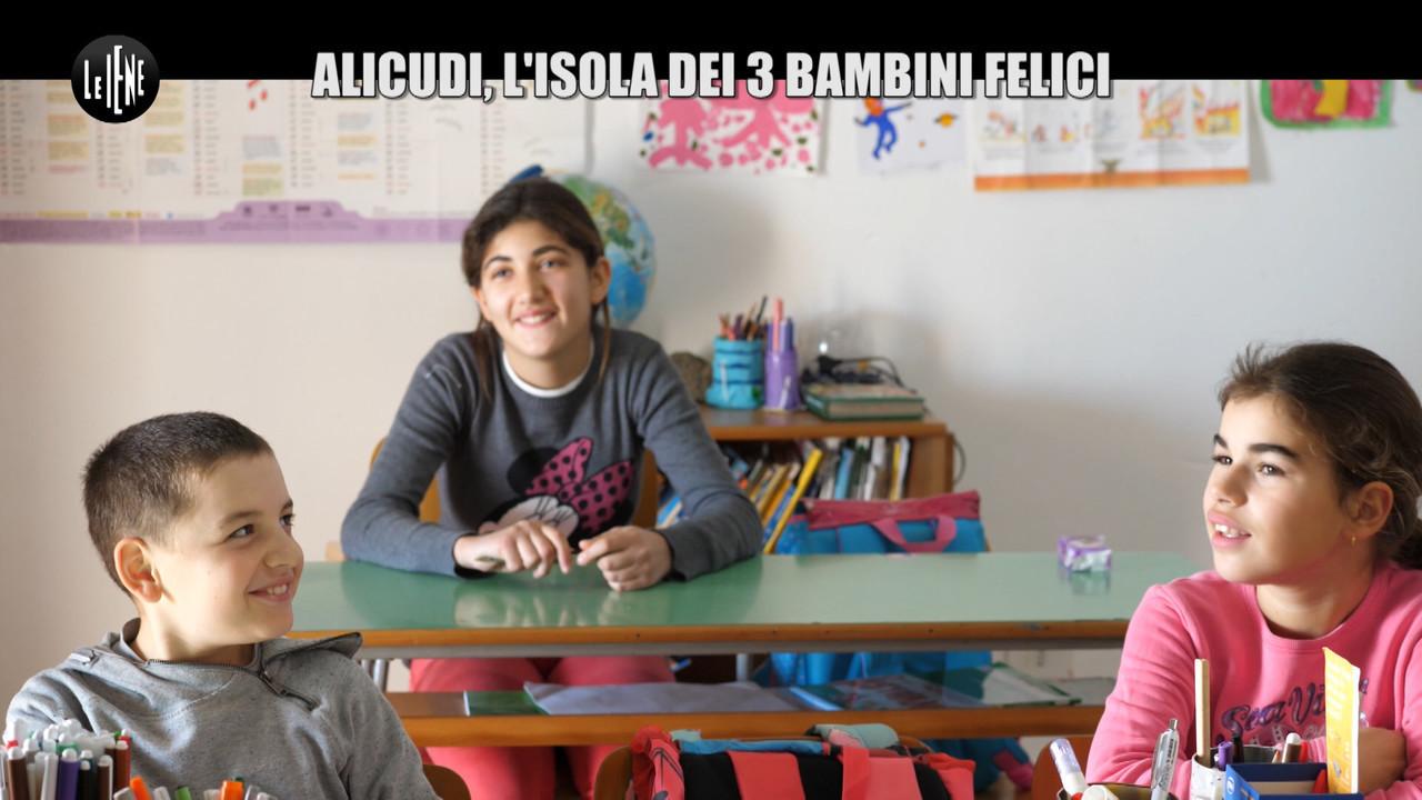 NINA: Alicudi, l'isola dei 3 bambini felici