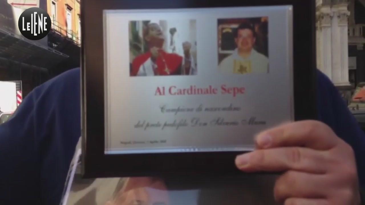 """Sit-in contro i preti pedofili: """"Il Papa cacci il cardinale Sepe"""""""