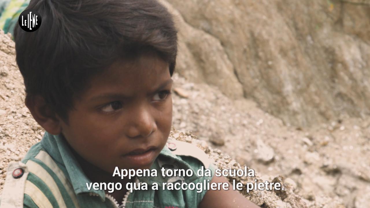 PECORARO: India e mica, i bambini minatori che lavorano per la nostra bellezza