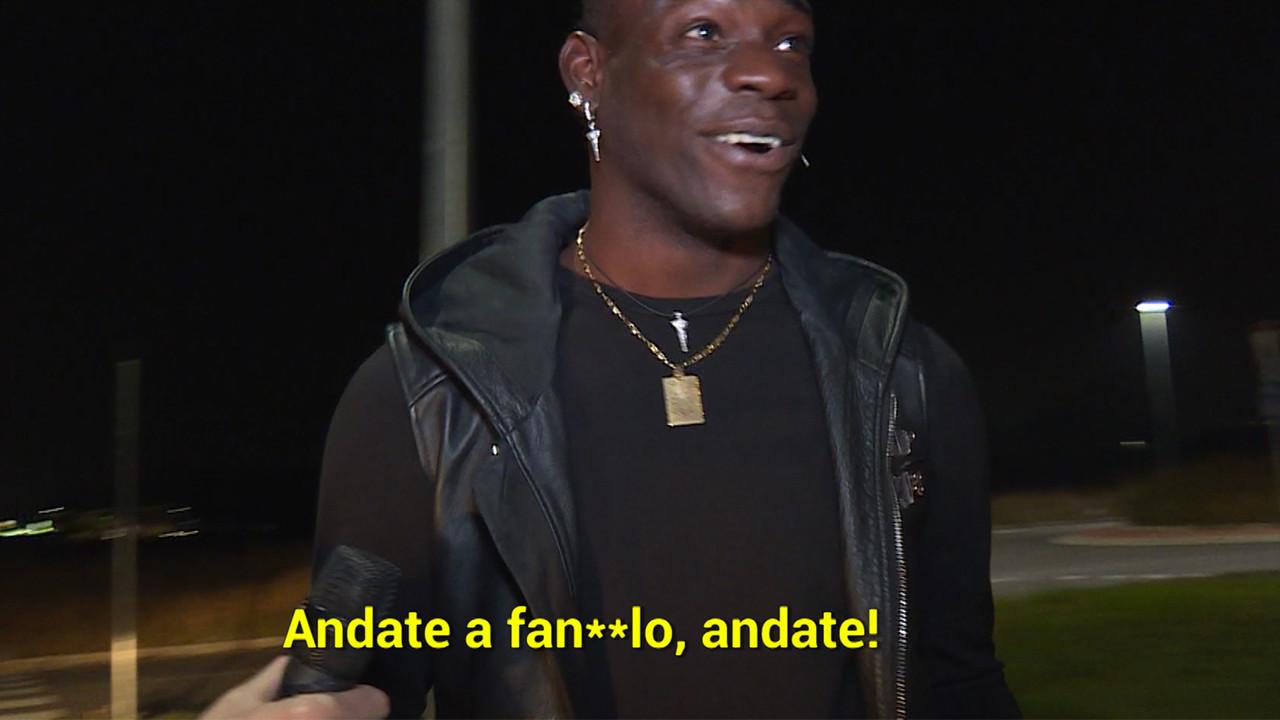 Lo scherzo a Mario Balotelli: le foto