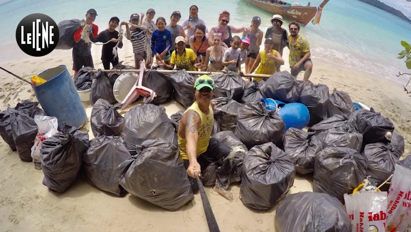 Il nostro Gaston Zama in Thailandia per ripulire le spiagge