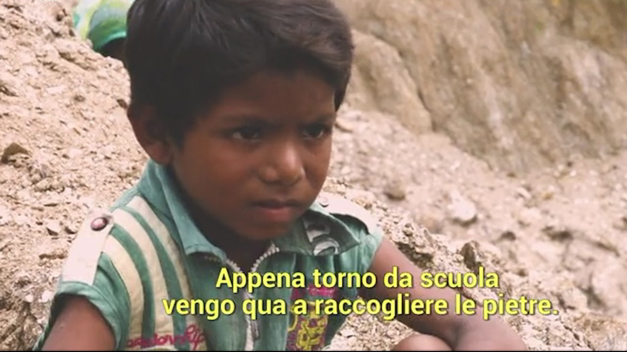 Sfruttamento dei minori: Le Iene tra i bambini minatori