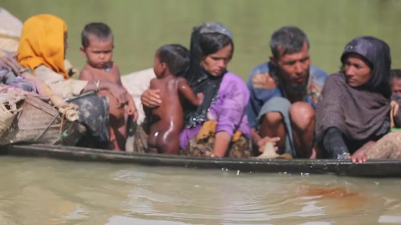 Rohingya, musulmani massacrati dai buddisti: campi sott'acqua