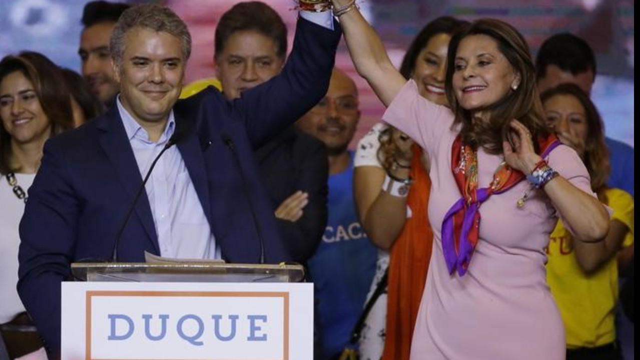 Colombia, vince la destra di Iván Duque e il no alla pace con le Farc. Le Iene tra i bambini soldato