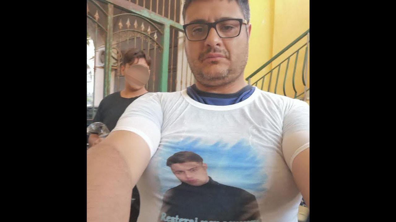 """Diego si mostra in volto ai funerali del figlio e promette: """"Papà combatterà la pedofilia nella Chiesa"""""""