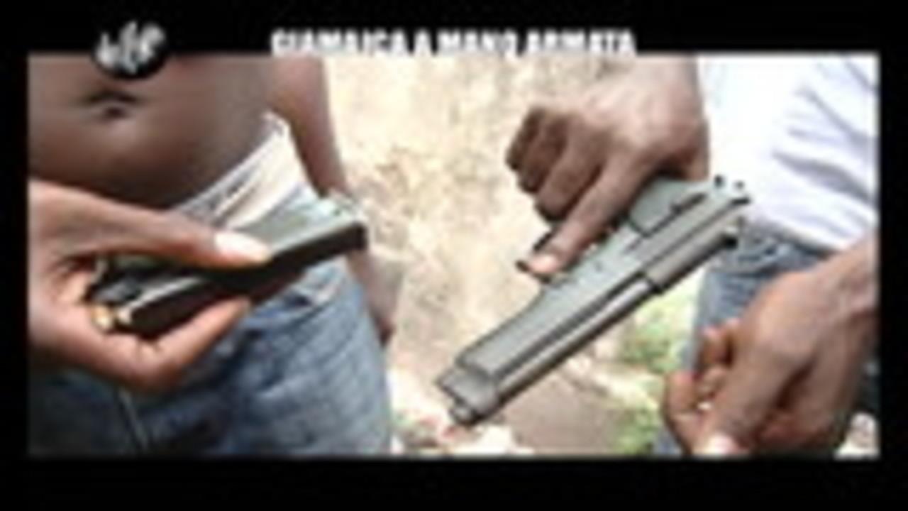 TRINCIA: Giamaica a mano armata