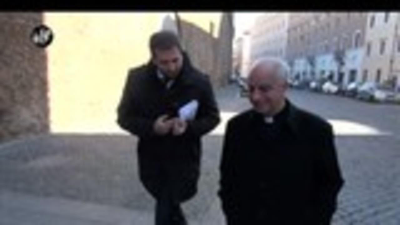 PECORARO: Le offerte per i poveri e le case dei cardinali