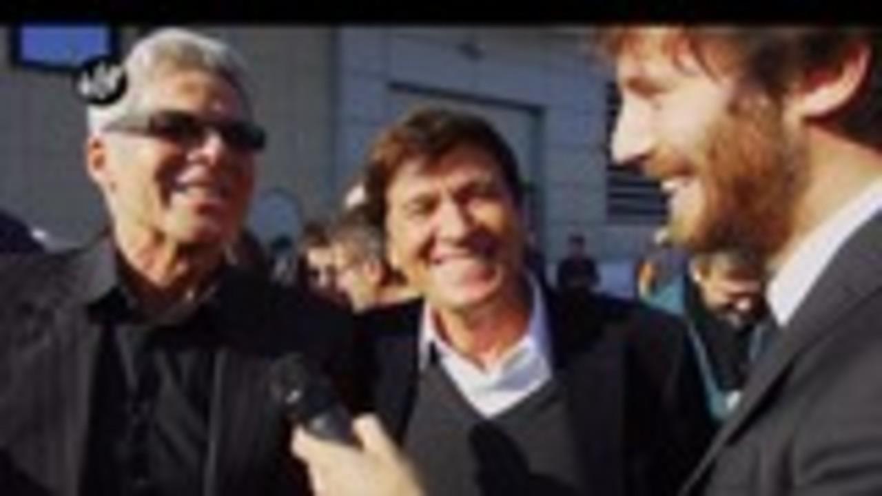 DE DEVITIIS: Chi gestisce la pagina social di Gianni Morandi?