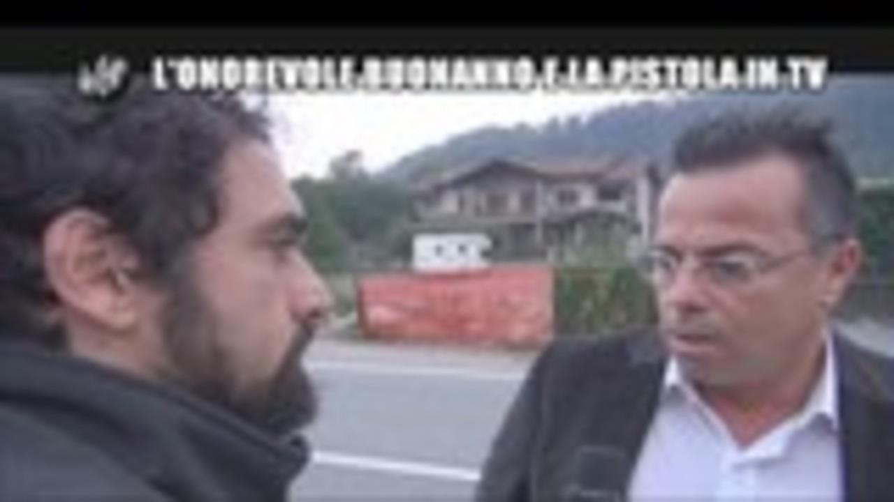 GIARRUSSO: L'Onorevole Buonanno e la pistola in TV