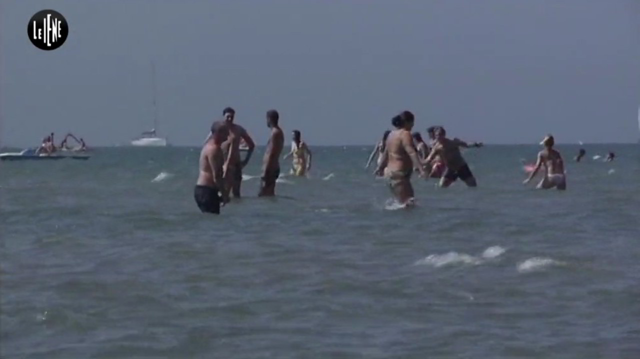 mare inquinato feci Pescara bagnanti malati