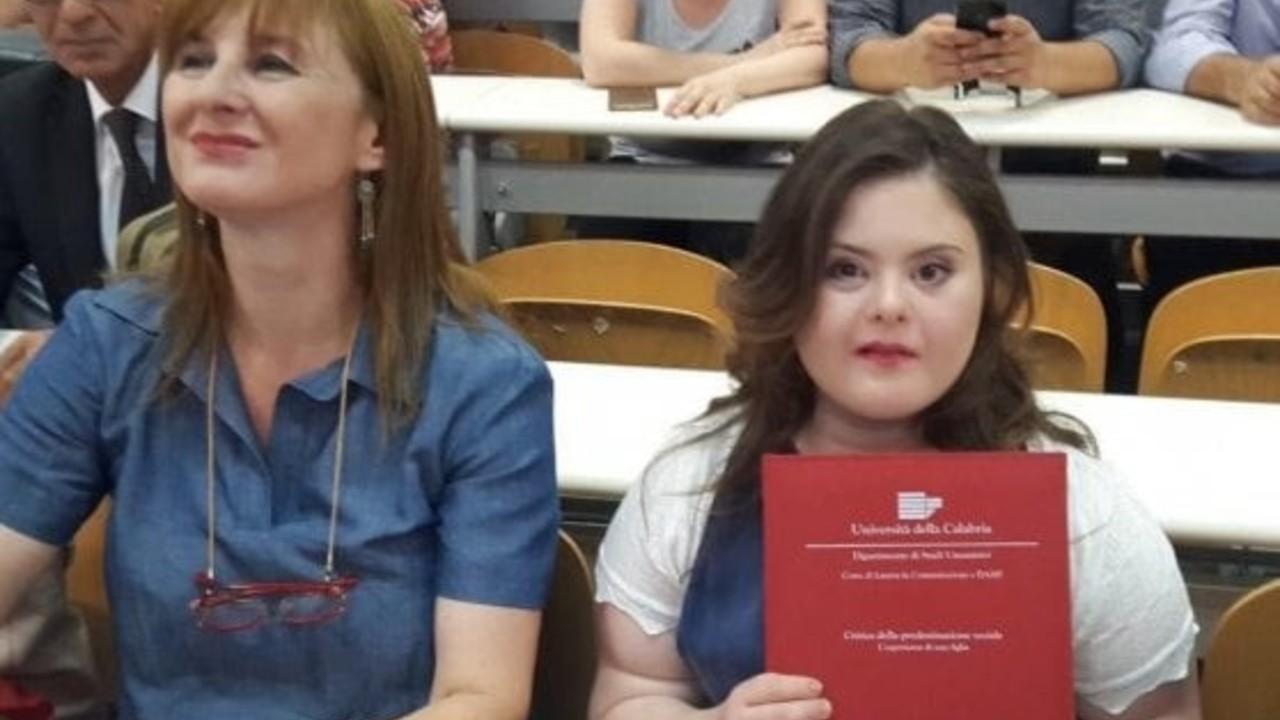 Sindrome di Down: la laurea di Francesca e Nicole in Islanda