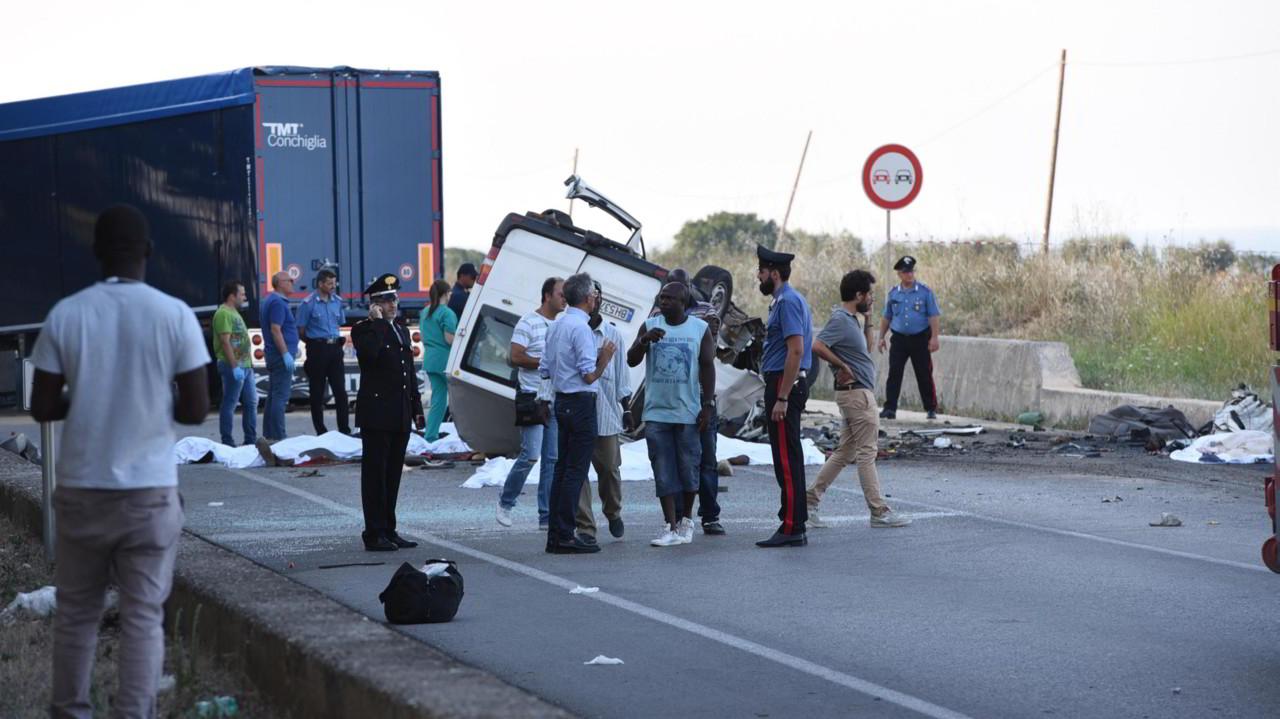 Caporalato: morti 12 braccianti africani. La nostra inchiesta