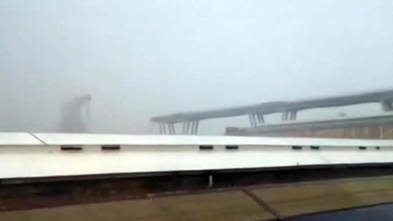Genova, crolla ponte dell'autostrada: le foto