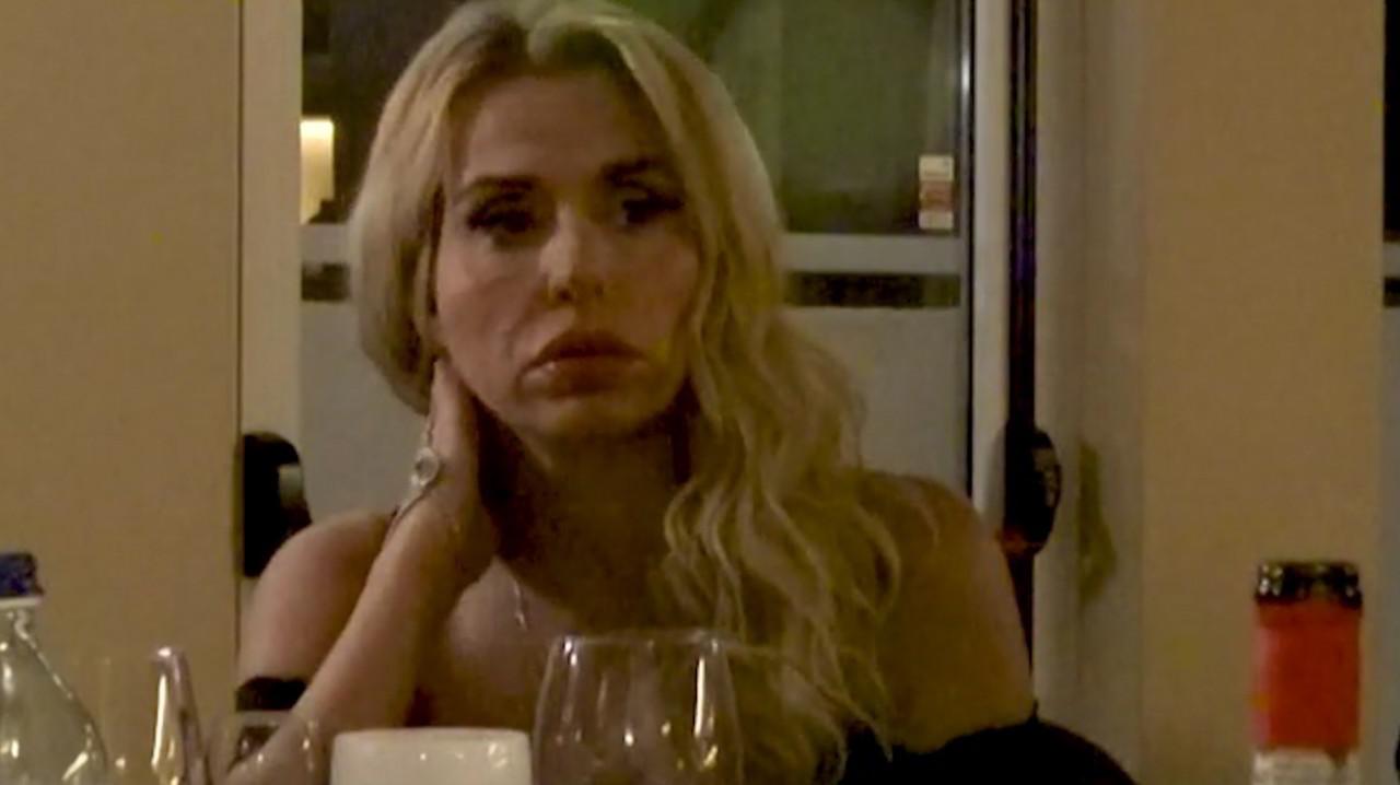 """Valeria Marini a Temptation Island Vip. Vi ricordate il suo spasimante """"iettatore""""?"""