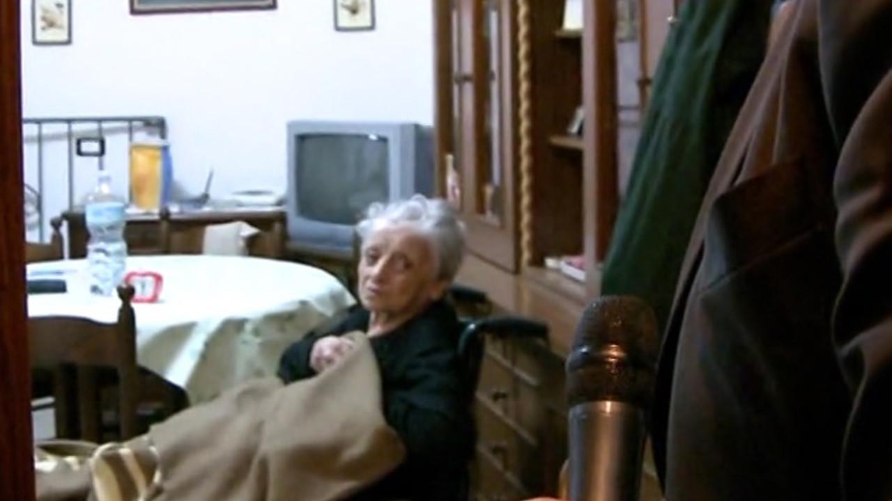 Zia fifina morta senza la sua casa 19 anni dopo il terremoto le iene - Casa senza fondamenta terremoto ...