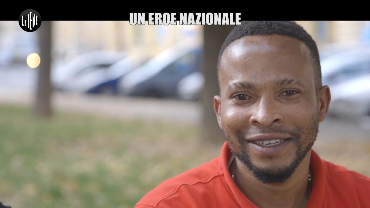 CIZCO Torino nigeriano sventa rapina diventa eroe