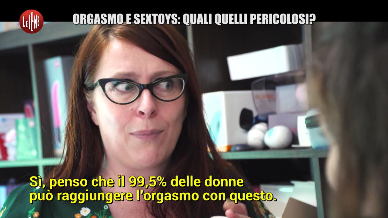 Orgasmo e sex toys: quali quelli pericolosi. Le foto