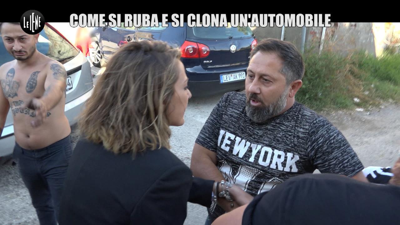 CASTELLANO: Come si ruba e si clona un'auto: inchiesta con aggressione