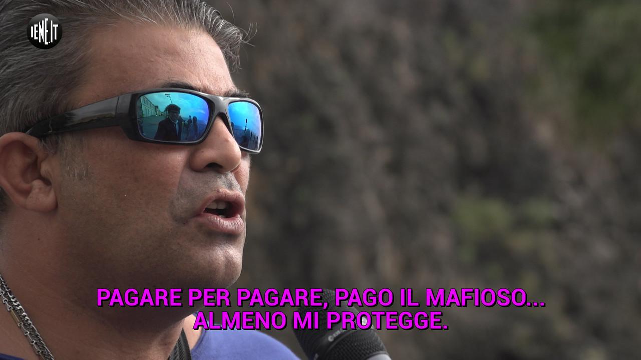 """Pizzo pagato all'anti-mafia: """"Qui non cambierà mai niente"""""""