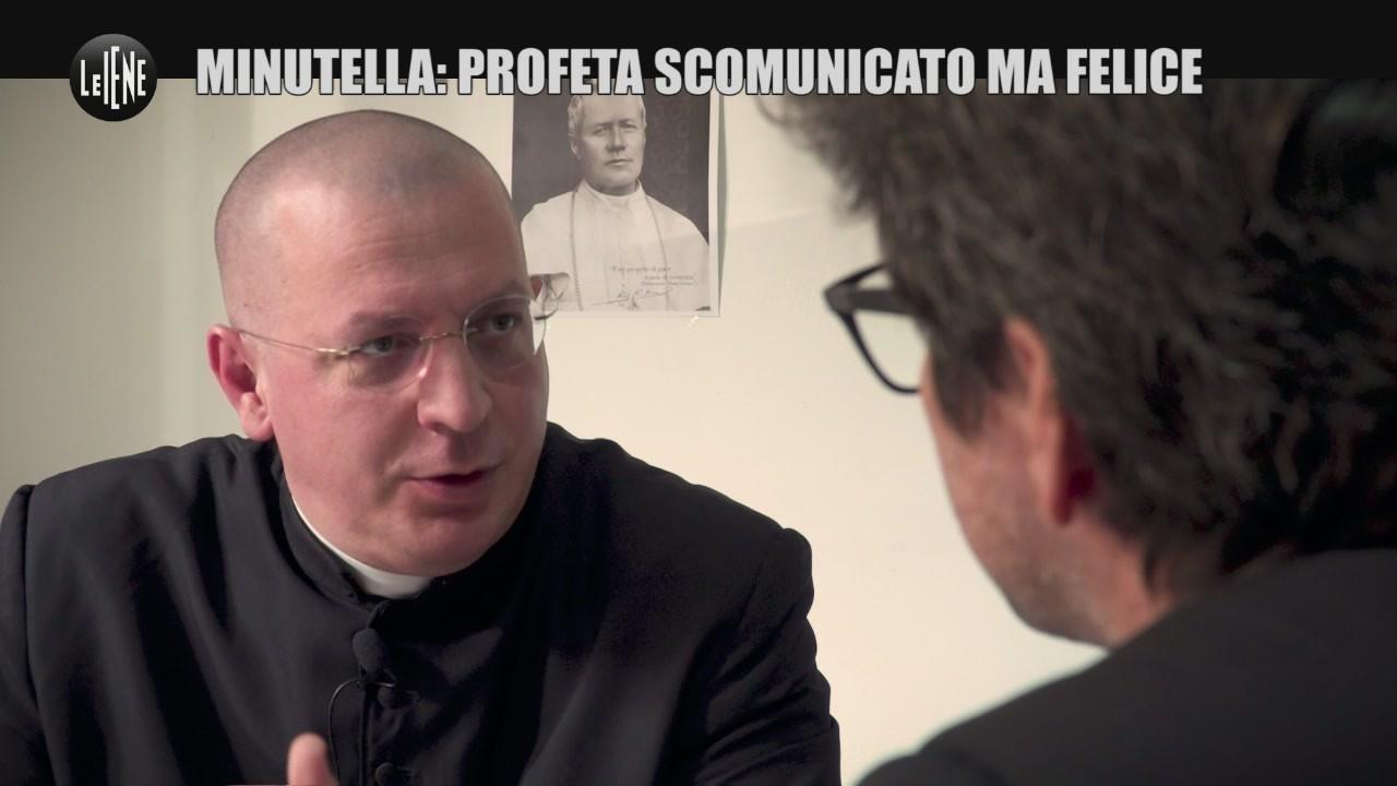 PASCA Don Minutella scomunicato felice se la prende con Papa e immigrati