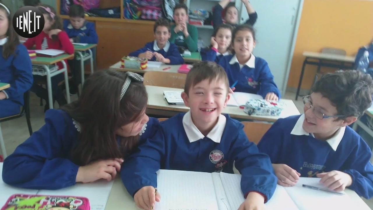 sindrome down classe inclusione scuola bambini