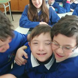 sindrome down bambini classe scuola inclusione