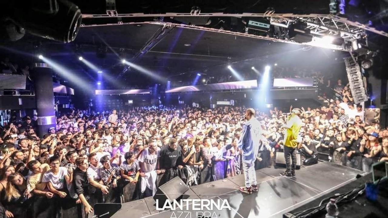 Lanterna Azzurra: una folla immensa al concerto di Mad man e Gemitaiz