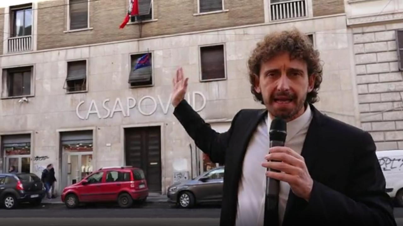 Palazzo abusivo di CasaPound: non si sgombera più! | VIDEO