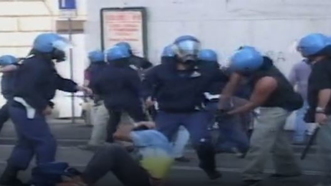 "G8, massacro alla Diaz: ""I poliziotti risarciscano"" 