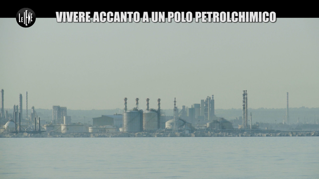 GOLIA: Petrolchimico di Augusta: vivere in una bomba ecologica a rischio cancro