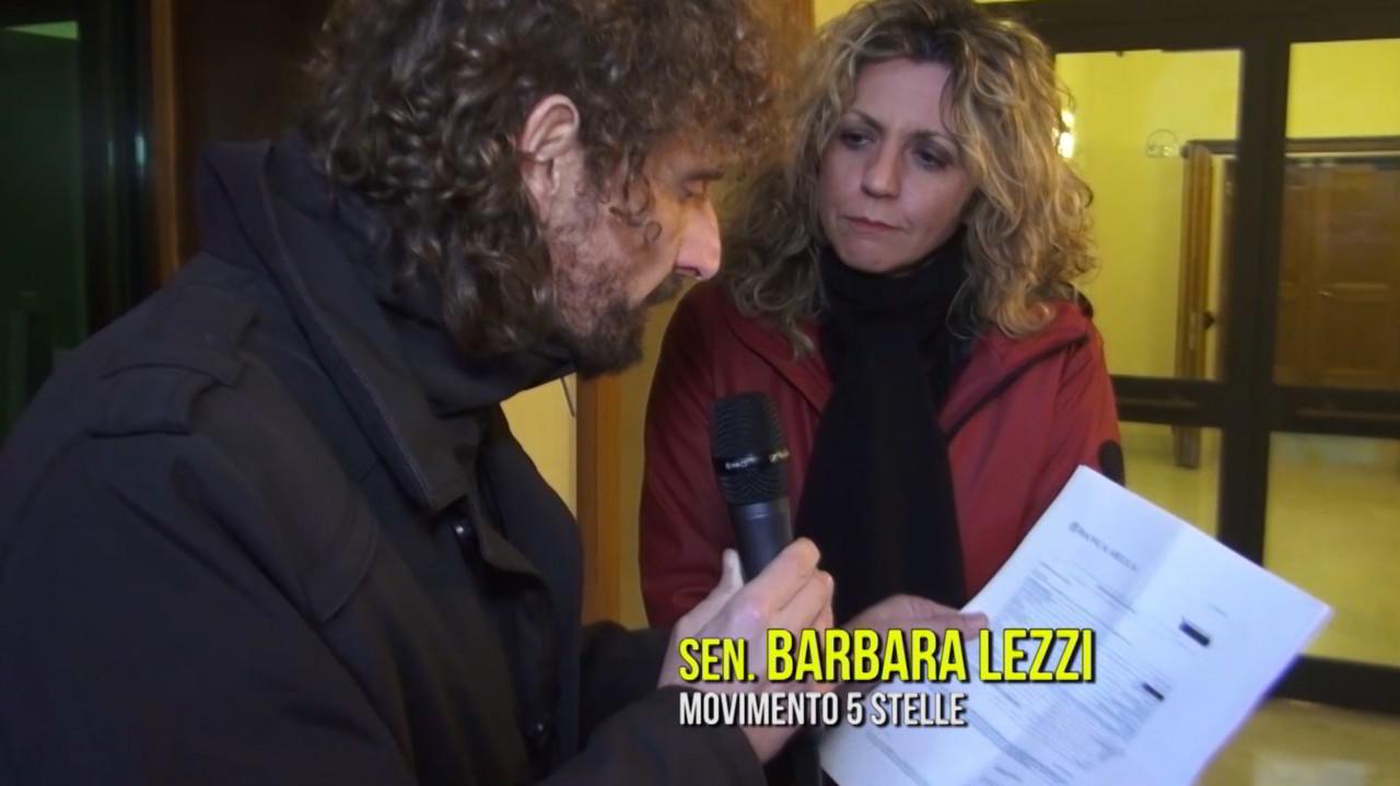 """Barbara Lezzi attacca Le Iene sul caso Sarti: """"vergognose"""". Che ce l'abbia con noi per Rimborsopoli e il suo bonifico revocato?"""