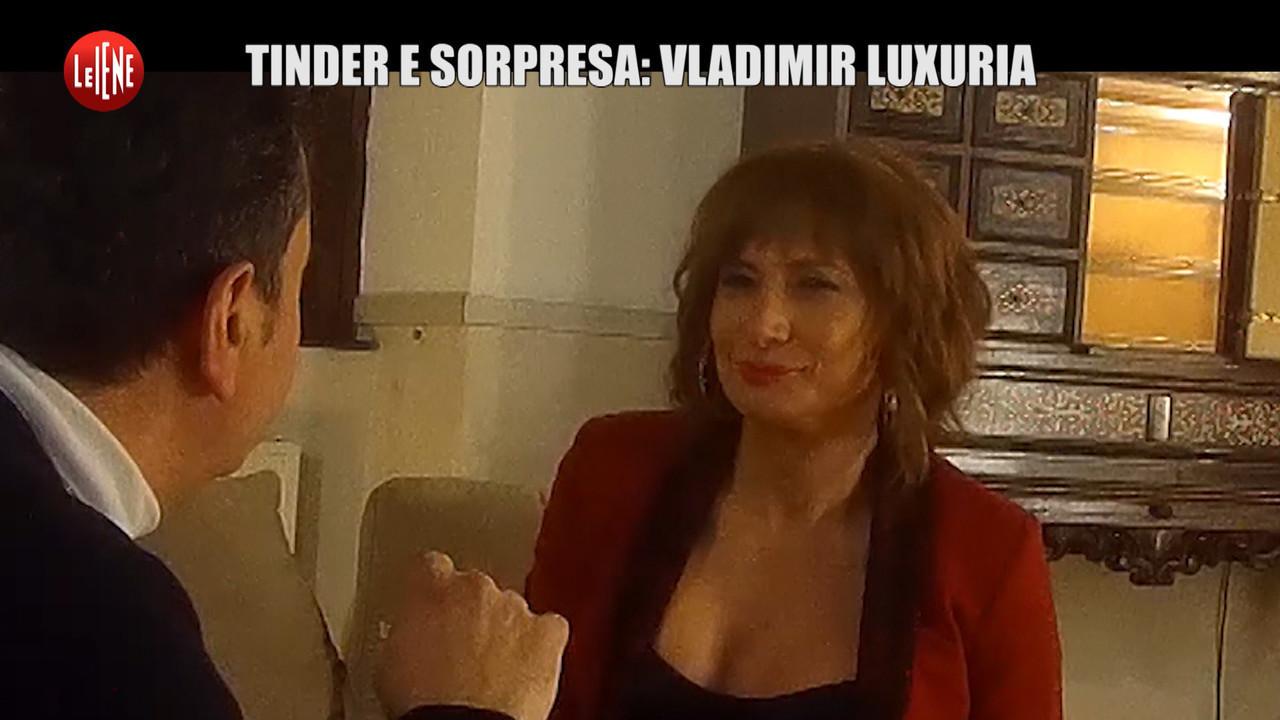 SARNATARO: Tinder e sorpresa con Luxuria: dalle lotte Lgbt al sesso con sconosciuti