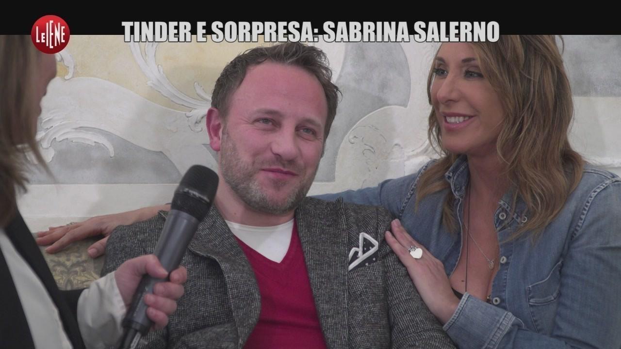 SARNATARO: Tinder e sorpresa, Sabrina Salerno con tre boys per una notte di sesso