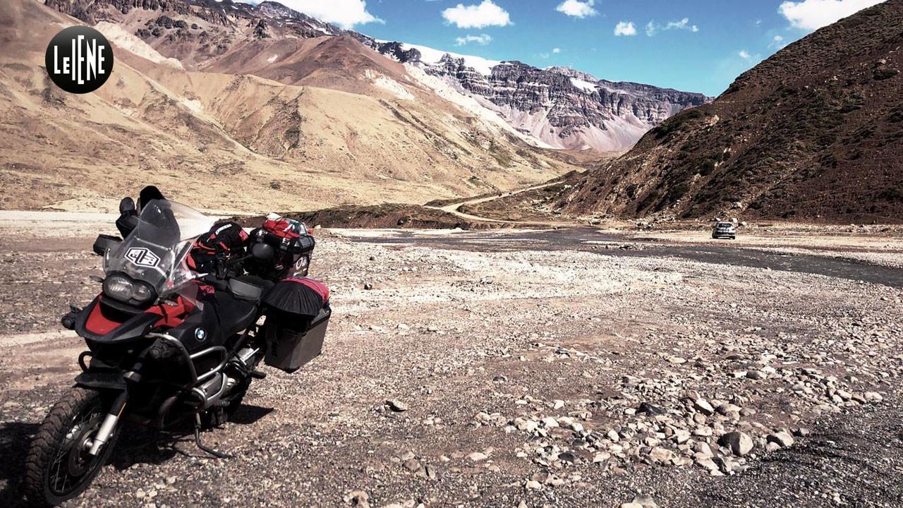 Dal Cile alla Bolivia in moto per sconfiggere la droga: le foto