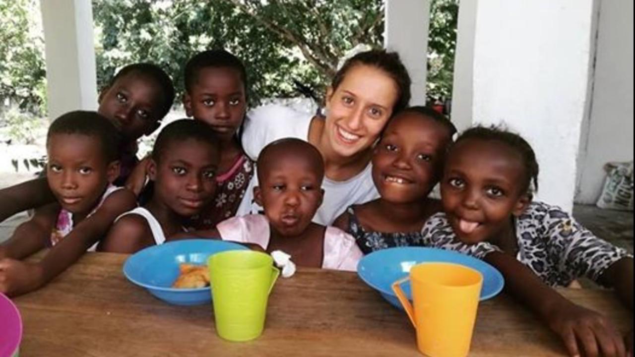 "Silvia Romano, la cooperante rapita in Kenya, ""era viva a Natale"""