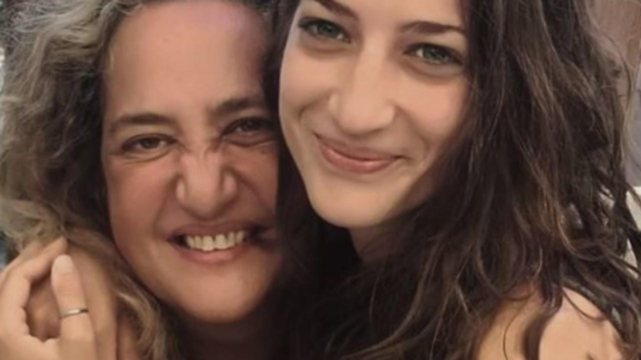 """""""Mia figlia è morta per le buche: non le tappano e buttano i soldi!"""""""