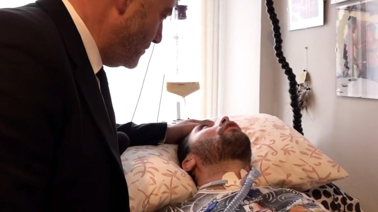 Eutanasia, dopo dj Fabo la piazza chiede il diritto a morire con dignità | VIDEO
