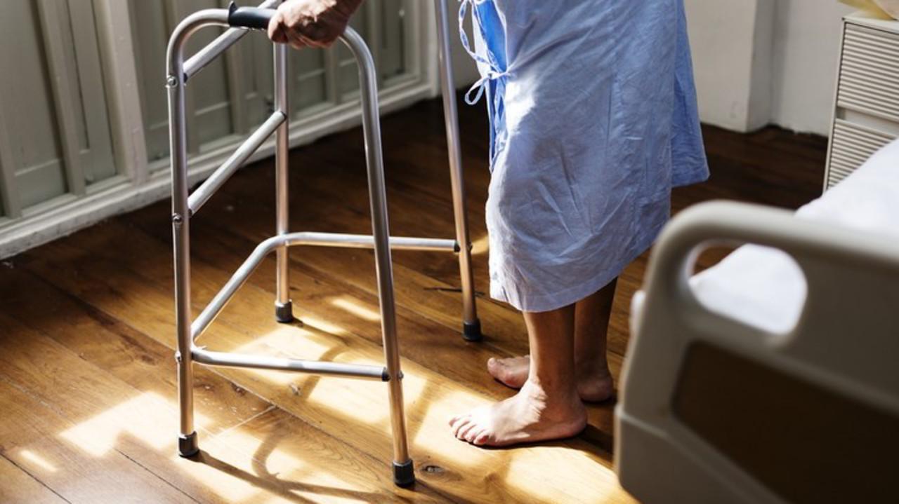 Alzheimer, sperimentazioni selvagge sui malati in Francia