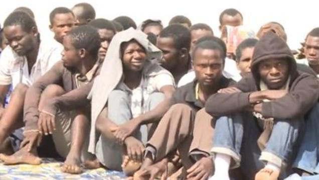 Migrante riportato indietro e ucciso. Le Iene e l'inferno dei lager in Libia