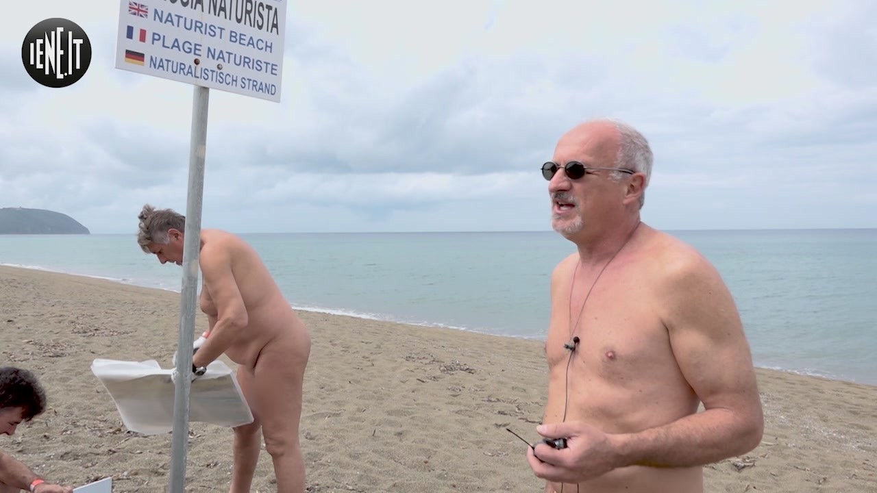 naturisti italia costume spiaggia