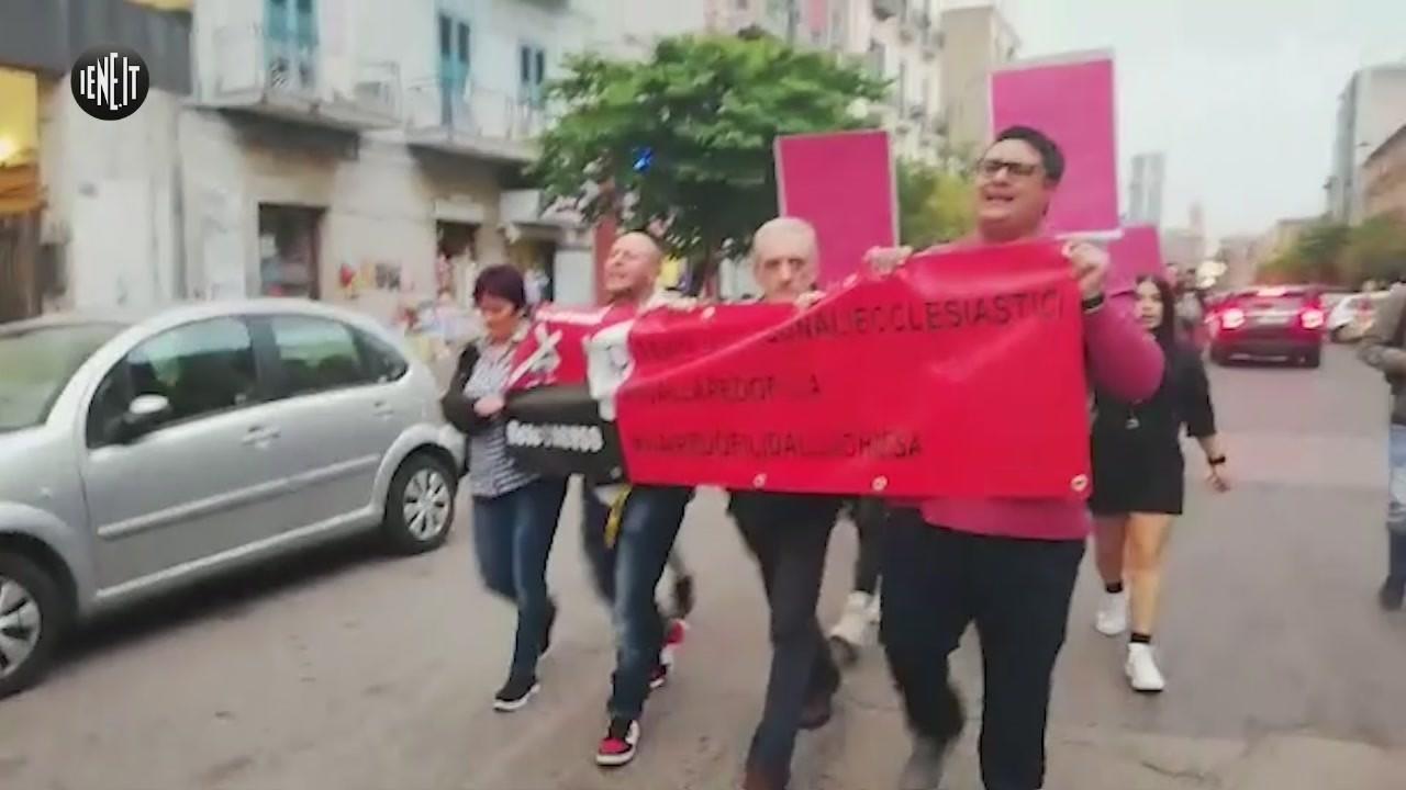 manifestaziona napoli pedofilia chiesa vittime