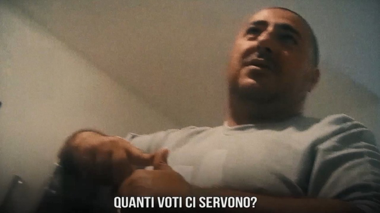 Il sindaco Italian politics for dummies film Iene Ismaele La Vardera mafia offerta voti video