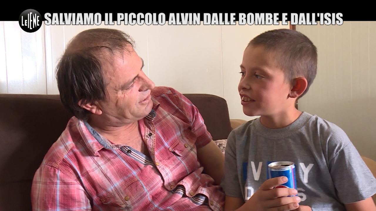 Isis, papà riabbraccia Alvin nel campo di prigionia ma deve lasciarlo lì | VIDEO