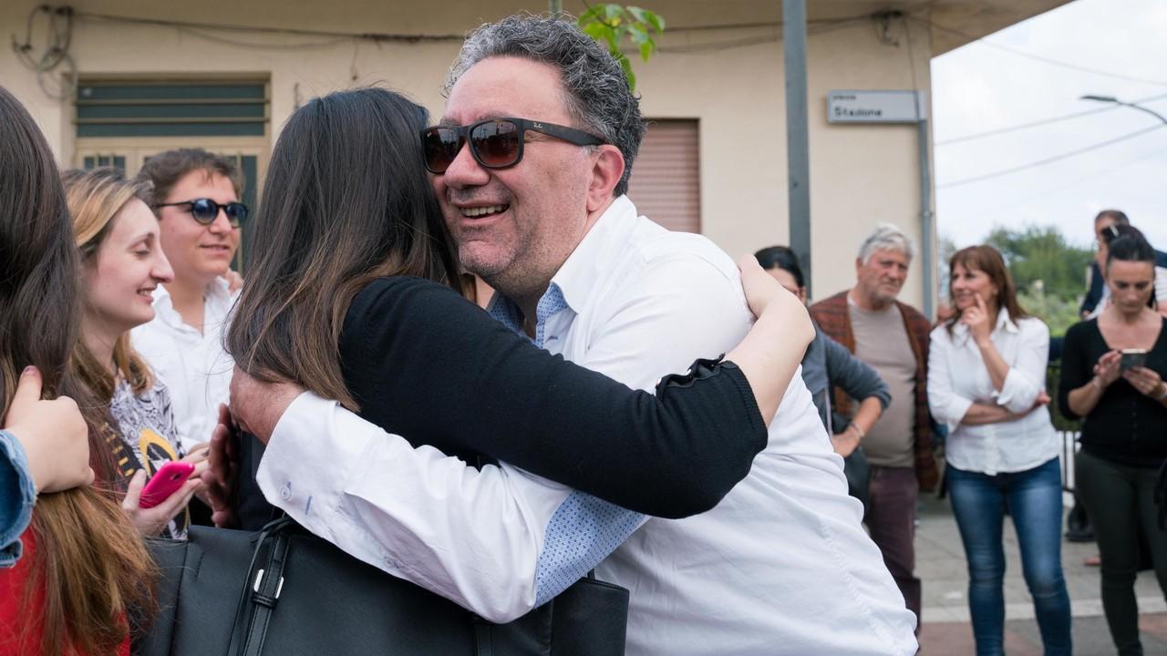 Riace, decaduto il sindaco anti-modello di integrazione | VIDEO