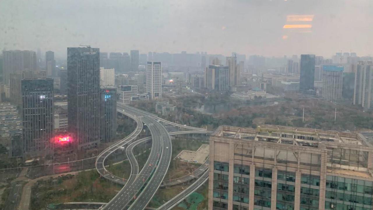 La città spettrale di Wuhan, in Cina