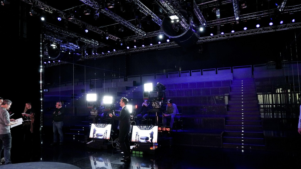 25 febbraio: le foto della puntata