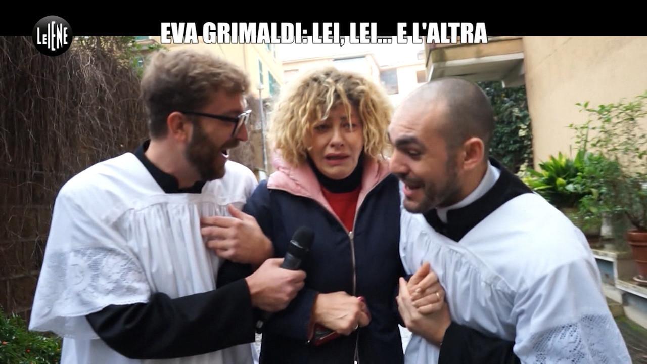scherzo Eva Grimaldi suora seduce moglie