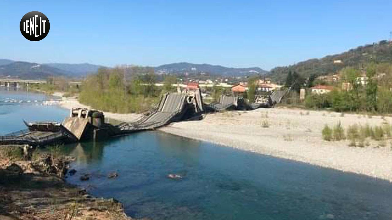 Ponte crollato sul fiume Magra tra Toscana e Liguria