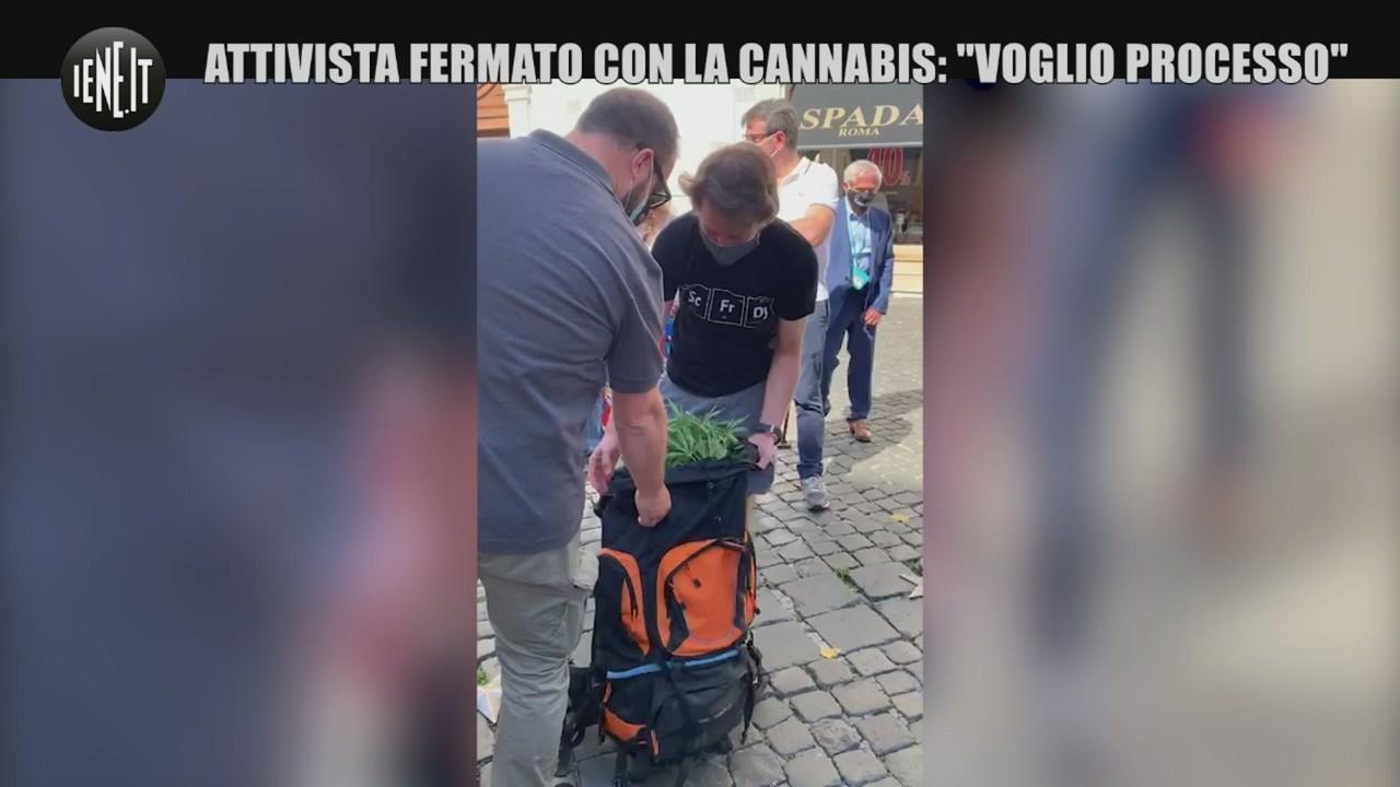 Attivista fermato cannabis Camera